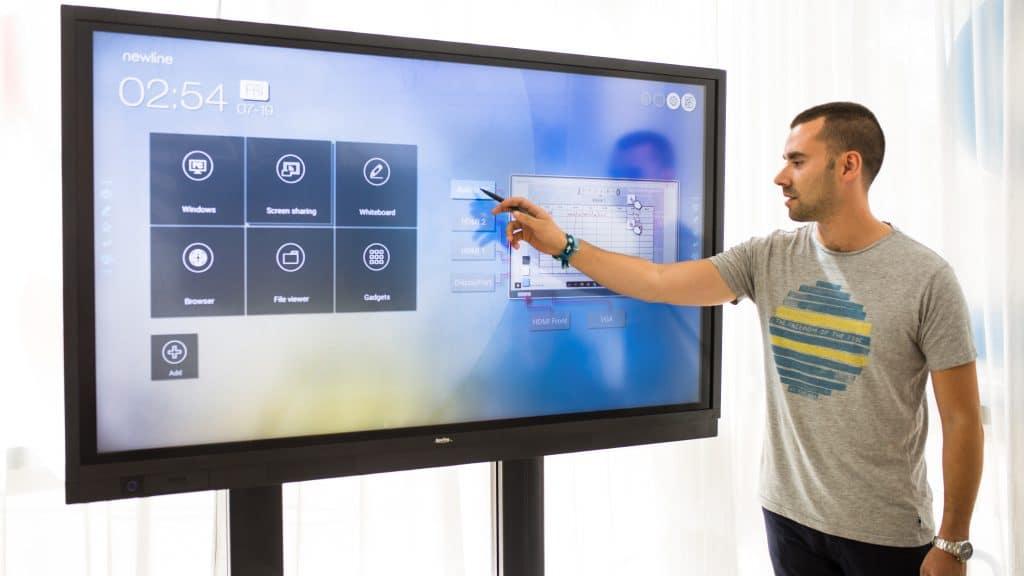 Newline Interactive Board